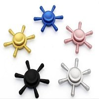 different color helm hand spinner