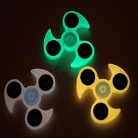 glow in the dark tri hand spinner