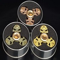 metal box package for skull hand spinner